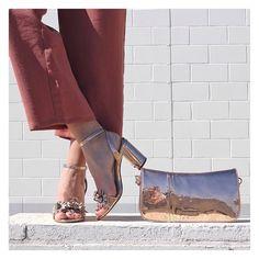 No sabemos qué eventos te esperan este Agosto, pero sí sabemos que con estas sandalias arrasarás!💚 . Sandalias Maria Mare Plomo y Cobre 🤩-30%!! . Te las enviamos Gratis!!👇 Heeled Mules, Heels, Fashion, Copper, Fall Winter, Spring Summer, Shoe Shop, Fashion Accessories, Shoes Sandals