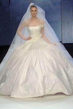 The latest news on Wedding Dresses is on POPSUGAR Australia Fashion. On POPSUGAR Australia Fashion, you will find news on fashion, style and Wedding Dresses. White Wedding Dresses, Designer Wedding Dresses, Bridal Dresses, Wedding Gowns, Bridesmaid Dresses, Prom Dresses, Formal Dresses, Wedding Bride, Dream Wedding
