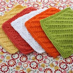 Lily: Download Free Pattern Details - Sugar 'n Cream - Diagonal Stitch Dishcloth (knit)