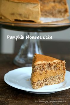 This Pumpkin Mousse cake is a layered cake filled with pumpkin mousse between vanilla spelt sponge cake. Vegan, dairy-free and soy-free.