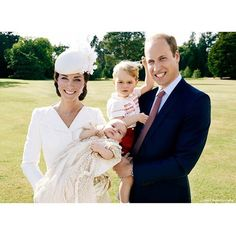 The Duke and Duchess of Cambridge with Prince George and Princess Charlotte in the garden at Sandringham House