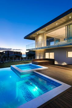 Cottesloe, Western Australia - contemporary - Pool - Perth - Zorzi