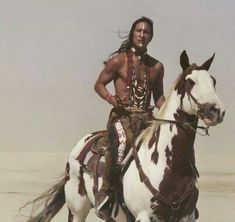 Powerful Native American Warrior                                                                                                                                                     Mais