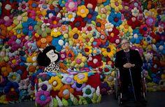 """MAFALDA CUMPLE AÑOS. El dibujante Joaquín Salvador Lavado, más conocido como Quino, creador del Mafalda posa para una foto durante la inauguración de la exposición """"El Mundo según Mafalda"""", en Buenos..."""