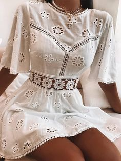 Cute Casual Outfits, Casual Dresses For Women, Pretty Outfits, Pretty Dresses, Short Dresses, White Dress Casual, Summer Casual Dresses, Elegant Summer Outfits, Cute Floral Dresses