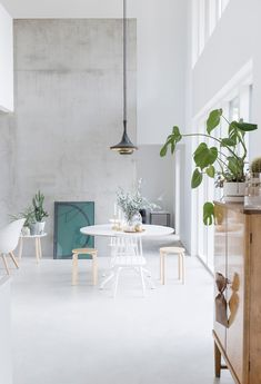 home decor ideas do it yourself designs Informal Dining Rooms, Dining Area, Dining Table, Kitchen Dining, Shades Of Grey, Do It Yourself Design, Interior Styling, Interior Design, Building Furniture
