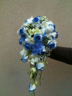 wedding / bridal bouquet, blue roses