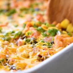 vegetarian recipes Easy to make Vegetarian Taco Casserole recipe. Instead of meat, we use lots of vegetables and beans. This Mexican Casserole takes 30 minutes to bake. Vegetarian Recipes Videos, Vegetarian Recipes Dinner, Vegan Dinners, Veggie Recipes, Mexican Food Recipes, Cooking Recipes, Healthy Recipes, Cooking Chef, Easy Healthy Vegetarian Recipes