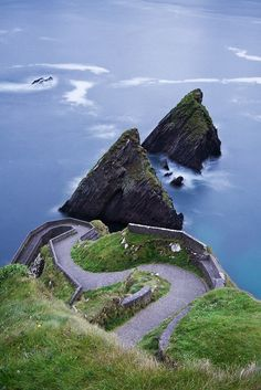 Dun Chaoin Pier, Ireland. - Places I want to go #ireland