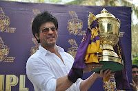 Shahrukh Khan Press Conference for KKR Winning Maiden Indian Premiere League T20. | Bollywood Cleavage