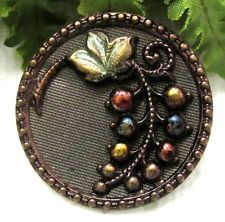 BEAUTIFUL VICTORIAN MULTI COLOR TINTED BUTTON W/ GRAPES M81