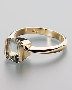 I like the setting. Angular and sleek. Goldring mit Platin-Aquamarin von Sogni d´oro