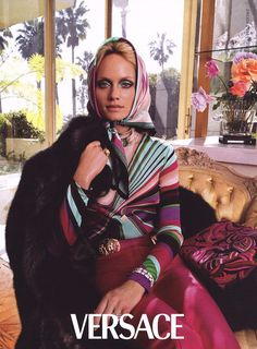 Versace Campaign FW - Georgina Grenville, Amber Valletta by Steven Meisel Elle Fashion, Pop Fashion, Timeless Fashion, World Of Fashion, High Fashion, Fashion History, Donatella Versace, Gianni Versace, Versace Versace