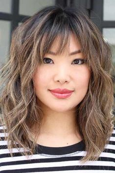 30 Ideas Of How To Sport Popular Shag Hairstyles Today Medium Shag Haircut With Bangs ❤ Looking for modern shag hairstyles? Messy layered cuts with bangs, ideas for thin hair, shags for curly hair, and cool color ideas are here! Medium Hair Cuts, Medium Hair Styles, Curly Hair Styles, Medium Cut, Modern Shag Haircut, Modern Haircuts, Curly Shag Haircut, Shag Hair Cut, Medium Shag Haircuts