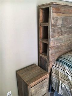 Use Pallet Wood Projects to Create Unique Home Decor Items Headboard With Shelves, Pallet Wall Shelves, Wood Headboard, Wood Bedroom, Bedroom Ideas, Pallet Headboards, Headboard Ideas, Pallet Lounge, Diy Pallet Sofa