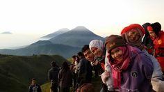 kami di Puncak Gunung Prau Dieng.