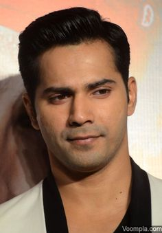 A clean shaven Varun Dhawan looks hot. via Voompla.com