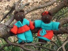 How to make little, knitted, dressed teddies - Salty Sam's Fun Blog for Children - Post 276 Luddites * LOADS OF COOL STUFF FOR KIDS * KIDS CRAFT TUTORIALS * FREE DOWNLOADS – www.christina-sinclair.com Free Downloads, Hello Everyone, Craft Tutorials, Grandparents, Folklore, Cool Kids, Something To Do, Party Themes, Knitting Patterns