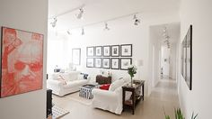 White-Walled Apartment With Oblong Rooms Accentuated With Yachting Stuff And Numerous Photographs - http://www.decoradvisor.net/architecture/white-walled-apartment-with-oblong-rooms-accentuated-with-yachting-stuff-and-numerous-photographs/