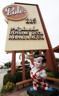 Photos: The Oldest Remaining Bob's Big Boy in the United States