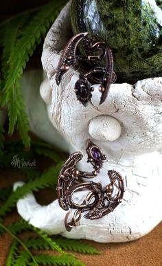 2 699 руб.  Купить плетеное медное кольцо в виде дракона с фиолетовым фианитом  материал: медь камень: фианит фиолетового цвета размер: высота 4,3 см,