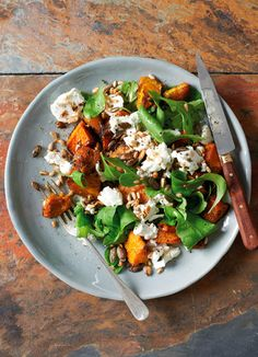 Banting Recipes Spiced Pumpkin and Goats Cheese Salad Recipe Banting Diet, Banting Recipes, Vegetarian Recipes, Healthy Recipes, Lchf, Easy Recipes, Gourmet Salad, Pumpkin Spice, Spiced Pumpkin