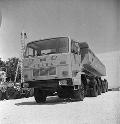 Small Cars, Trucks, Vehicles, Historia, Fotografia, Truck, Car, Miniature Cars, Vehicle