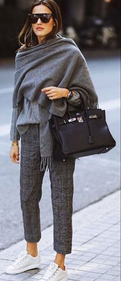 Tendances mode automne-hiver Discover the fall-winter fashion trends of the seas Casual Winter, Winter Outfits For Work, Casual Fall Outfits, Dress Casual, Winter Style, Casual Shoes, Casual Clothes, Girly Outfits, Casual Sneakers