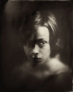 """Nebula,"" photo project by Spanish photographer Jacqueline Roberts. Portraits of youth in the limbo period between childhood and adolescence, using the wet plate collodion process from the mid- to exposed on glass and metal plates. Victoria And Albert Museum, Types Of Photography, Portrait Photography, Photo Grand Format, Wet Plate Collodion, Foto Portrait, Tintype Photos, Alternative Photography, Spanish Artists"