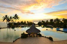 Swimming pool of the InterContinental Tahiti Resort & Spa