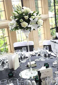 New Art Deco Wedding Decor Centerpieces Ideas Art Deco Wedding Decor, Art Deco Party, Wedding Table Centerpieces, Wedding Decorations, Wedding Art, Art Deco Wedding Flowers, Romantic Flowers, Wedding Ideas, Wedding Reception Flowers