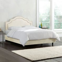 Skyline Furniture Nail Button Bed in Regal Velvet