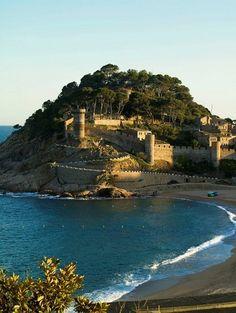 Tossa de Mar, Costa Brava, Girona province, Catalonia, Spain I LOVE this place. Barcelona Catalonia, Girona Spain, Wonderful Places, Beautiful Places, Costa, Barcelona Travel, Southern Europe, Parcs, Travel Abroad