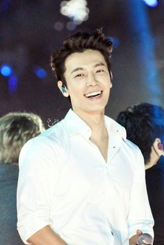 Such a beautiful smile, Donghae