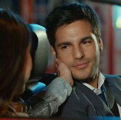 Cherry Season, Actor Studio, Turkish Actors, Best Couple, Attractive Men, Beautiful Smile, Male Beauty, Male Models, Hot Guys