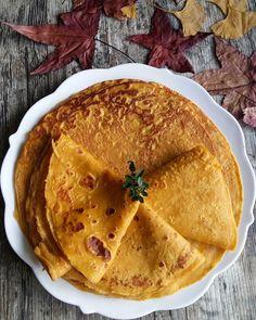 Dynia ciągle na topie:) Dzisiaj dyniowe puree wylądowało w naleśnikach:) Polecam!#Gotujzdrowo!GutenAppetit!#naleśniki#jarskiobiad#dynia#jesinnenaleśniki#lunch#obiad#kuchniawegeteriańska#yummy #foodbloger #foodphotography #follow #wiemcojem#domowejedzonko #pfannkuchen#kürbis#