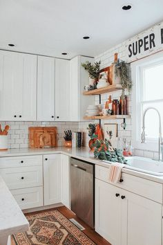 Are you looking for pictures for farmhouse kitchen? Check out the post right here for perfect farmhouse kitchen pictures. This amazing farmhouse kitchen ideas will look fantastic. Decoration Inspiration, Decor Ideas, Room Inspiration, Design Inspiration, Farmhouse Kitchen Decor, Boho Kitchen, White Farmhouse, French Farmhouse, Modern Farmhouse