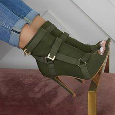 ♡ @тιffαиуχвєαυту {fσℓℓσω тσ ѕєє мσяє} ♡ Green High Heels, Olive Green Shoes, Green Boots, Open Toe High Heels, Open Toe Shoes, Cute Shoes Heels, Fab Shoes, Mules Shoes, Dream Shoes