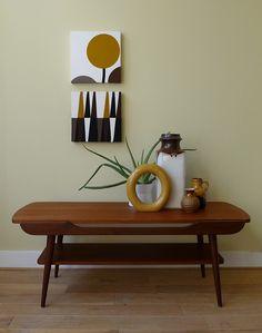 jaren '60 teak salontafel in uitstekende conditie  Neem eens een kijkje in onze webshop!  Take a look at our website   www.vanoudedingen.nl