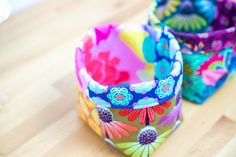 """How to Sew Easy Baskets with 10"""" Squares - Layer Cake Leftover Project! — SewCanShe Free Sewing Patterns Tutorials Layer Cake Quilt Patterns, Layer Cake Quilts, Fabric Squares, Easy Sewing Patterns, Bag Patterns To Sew, Sewing Ideas, Sewing Tips, Sewing Tutorials, Small Sewing Projects"""