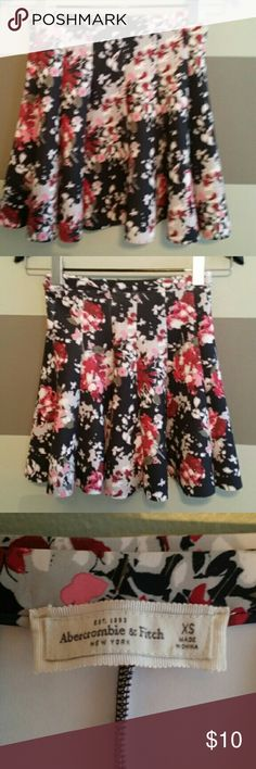 Abercromebie and fitch skirt Xs floral mini skirt Abercrombie & Fitch Skirts A-Line or Full