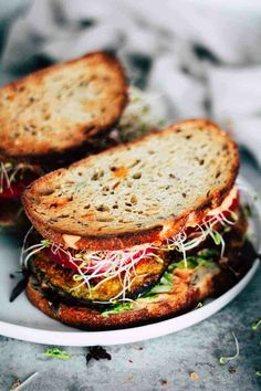 This Crispy Eggplant BLT is one of my favorite sandwiches to make for a quick and easy lunch or dinner. Harissa mayo adds a little spicy kick! This vegetarian eggplant recipe includes a vegan option (just use flax eggs and vegan mayo! Vegetarian Eggplant Recipes, Vegetarian Dog Food Recipe, Raw Food Recipes, Cooking Recipes, Vegan Vegetarian, Vegetarian Dinners, Party Recipes, Vegan Food, Keto Recipes