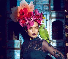 Fashion blogger introspettiva. Basata a Roma, racconta le emozioni del mondo della moda. Scrive, respira e vive la moda a 360°. Redatto da Ida Galati