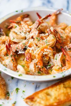 Red Lobster Shrimp Scampi Copycat - Damn Delicious Make everyone's favorite dish right at home – it's budget-friendly and it looks so fancy without any of the hard work! Shrimp Dishes, Shrimp Recipes, Fish Recipes, Copycat Recipes, Recipies, Chicken Recipes, Chicken Bacon, Pasta Dishes, Soup Recipes