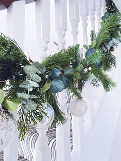 Five steps to simple but beautiful contemporary Christmas garlands, pimped with fresh pine, eucalyptus and baubles. Most Beautiful Pictures, Cool Pictures, Christmas Garlands, Eucalyptus Garland, Pine, Fresh, Contemporary, Holiday Decor, Simple