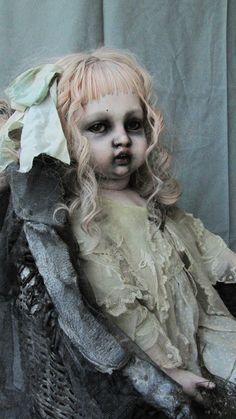 Julien martinez Spooky Horror Doll