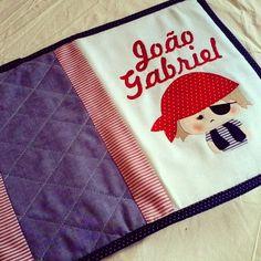 https://flic.kr/p/pX4DbF | Capa de caderneta de vacinas. #encomendafofa #bebê #babydecor #maternidade #instababy #patchwork #craft #enxovalpersonalizado