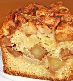 Applecake with nuts Healthy Cake, Healthy Baking, Healthy Desserts, Healthy Food, Healthy Recipes, Low Carb Recipes, Baking Recipes, Cake Recipes, Dessert Recipes