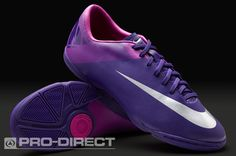 Indoor soccer cleats in purple Cool Football Boots, Soccer Boots, Football Shoes, Women's Football, Indoor Soccer Cleats, Play Soccer, Soccer Girls, Soccer Outfits, Nike Cleats