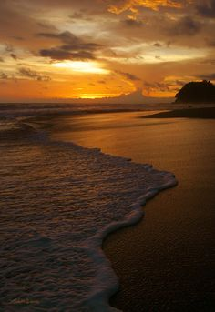 ✯ Sunset Surf - Playa Hermosa, Costa Rica. THIS IS my next international wish destination